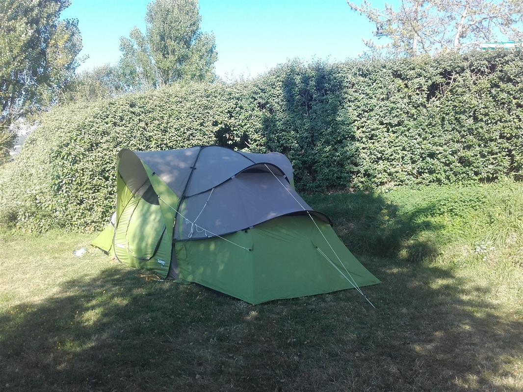 Emplacement camping 2 toiles pour tente caravane et - Camping les vignes lit et mixe site officiel ...